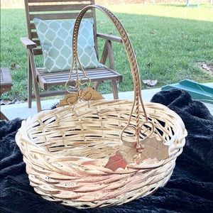 Decorative Basket w/Handle